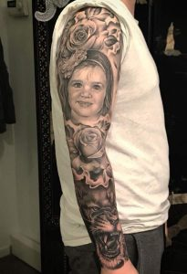 Portrait lion sleeve